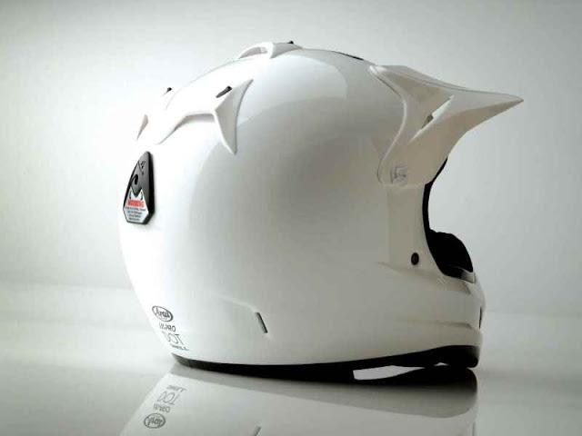 Vài điều nên biết về chọn mũ bảo hiểm đạt tiêu chuẩn