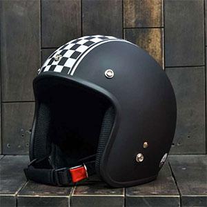 Mũ Bảo Hiểm 3/4 Dammtrax cờ đua đen trắng nhám