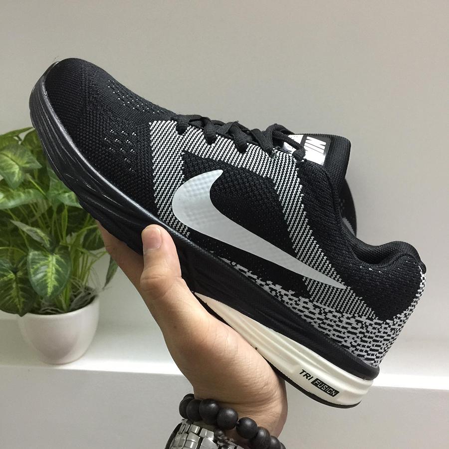 Giày thể thao Nike G12 đen trắng