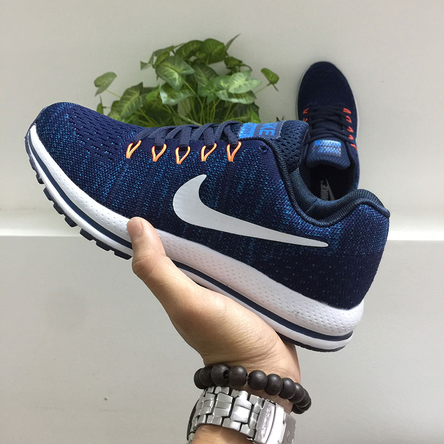 Giày thể thao Nike G17