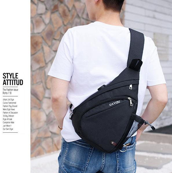 Túi đeo chéo thể thao nam có cổng sạc USB TC26 màu đen