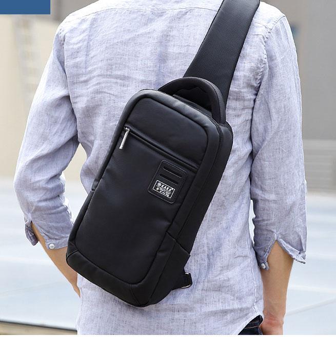 Túi đeo chéo chống nước, cổng sạc USB chính hãng KAKA TC35
